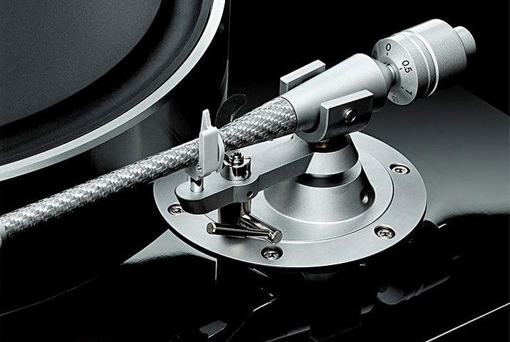 GT-5000_Tonearm_Detail