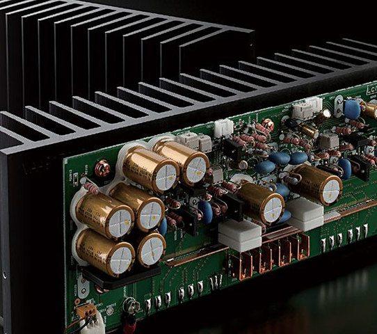 Yamaha_M-5000_detail