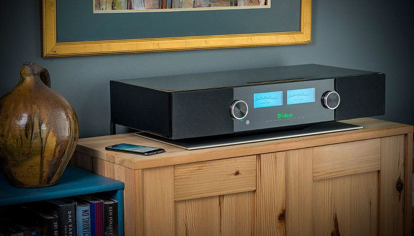 McIntosh The RS200 Wireless Loudspeaker System