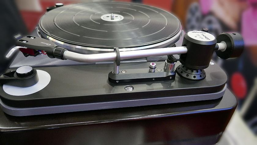 Prototype of the new Thorens TP124