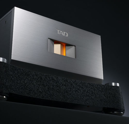 TAD M700 Power Amplifier