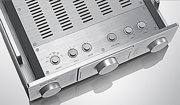 Octave Audio HP 700 SE Tube Preamplifier